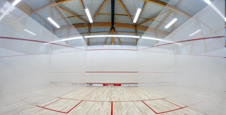 "Iluminare teren de squash: ""La ce solicitari trebuie sa fiu atent?"""